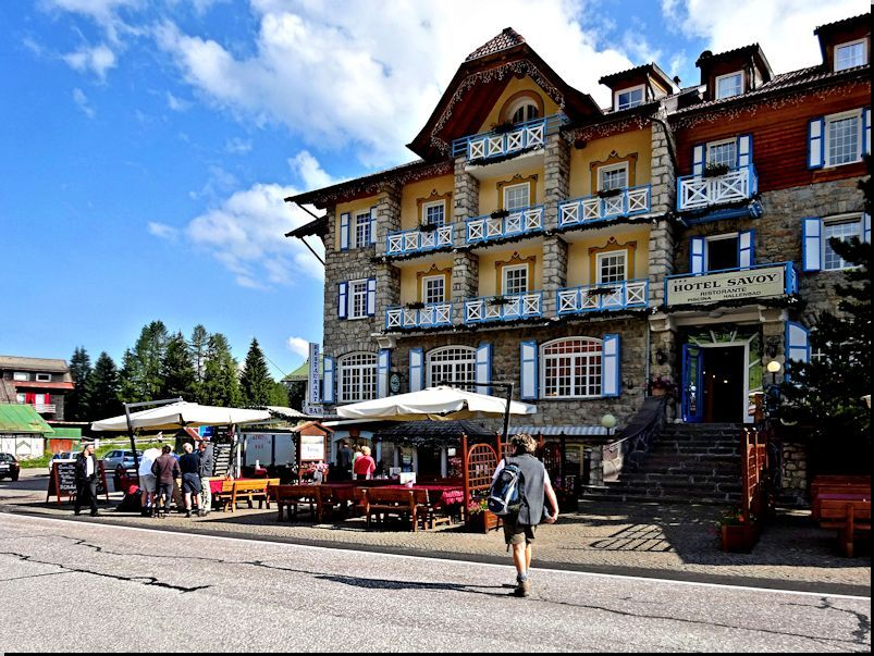 am Hotel Savoy am Karerpass